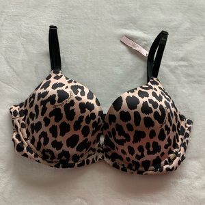 Victoria's Secret Lightly lined cups Plunge bra